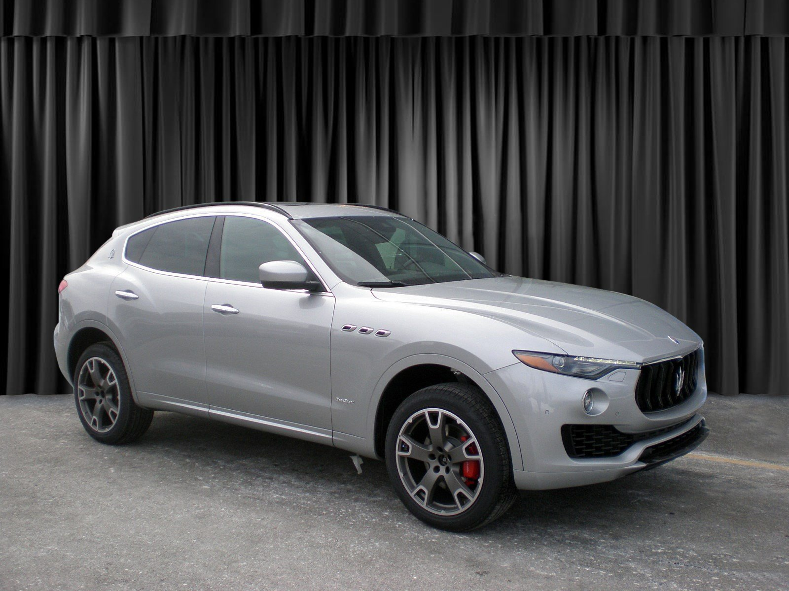 New 2018 Maserati Levante GranSport